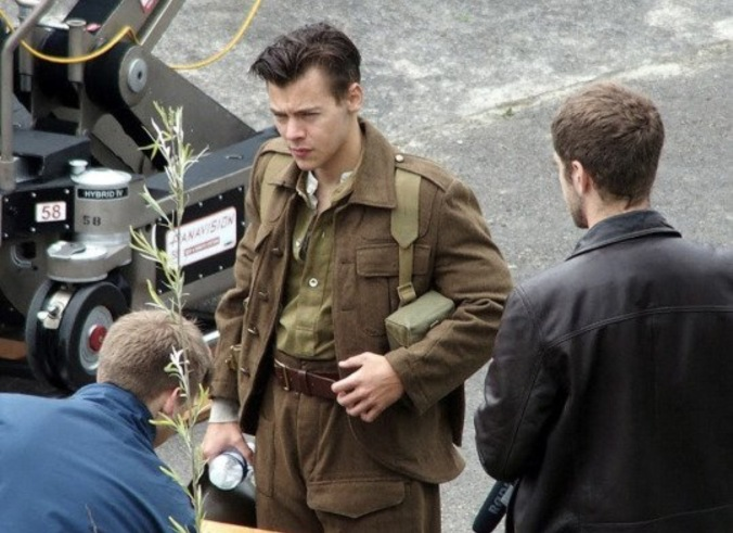 Harry Styles On The Set Of Dunkirk @dailymail