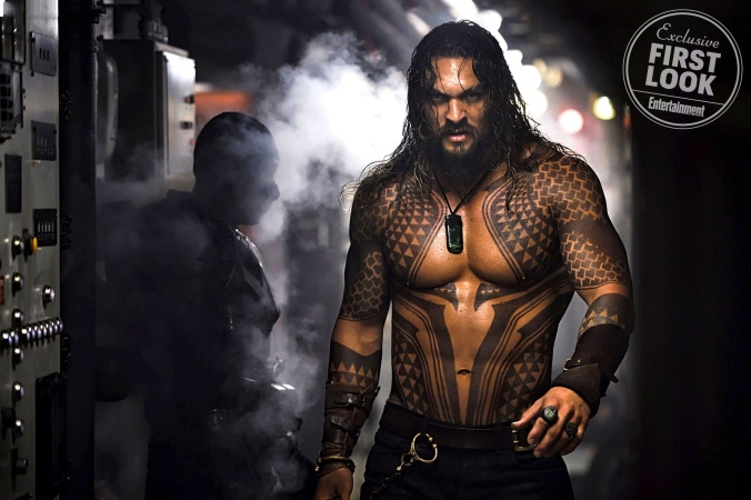 aquaman-movie-jason-momoa-is-a-totally-different-beast-in-first-look-image